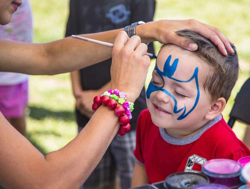 face painting artist for kids parties in Aburn hills, airbrush face paint, best face painting near me